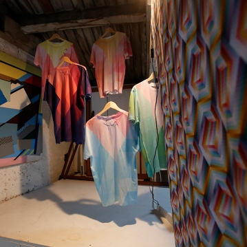 Theo Mendez 'Untitled' (left) with T-Shirt Installation by Emma Neuberg